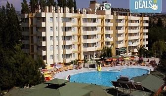 Ранни записвания за почивка във Flora Suit Hotel 3*, Кушадасъ! 7 нощувки на база All Inclusive, транспорт и представител от Дениз Травел