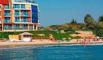 Ранно лято на море в хотел Бижу 3*, Равда - ЕДНА нощувка със закуска и вечеря, ползване на басейн, шезлонг и чадър край басейна / 20.05 - 15.06.2020