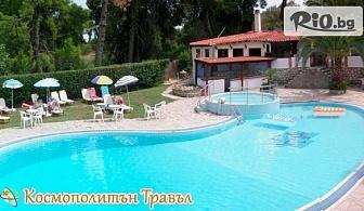 Ранно записване за почивка на Халкидики! 5 нощувки със закуски и вечери + външен басейн в Kassandra bay hotel, от Космополитън Травъл