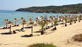 В разгара на лятото в Хотел Серена Резиденс на плажа на Каваците за една нощувка със закуска, открит басейн и детска анимация /16 Юли до 25 Август 2018 год.