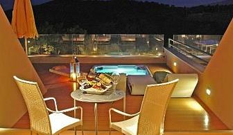 Резервирай хотел Royal Paradise - Тасос на изгодна цена  за една нощувка със закуска, вечеря, чадър и шезлонг на плажа и басейна / 11.05.2018 - 31.05.2018/