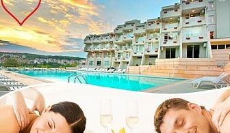 Романтична SPA почивка за ДВАМА в Сандански. Две нощувки със закуски и вечеря + Арома вана за Нея и масаж за Него в Хотел Панорама