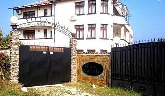Самостоятелна вила Галата за до 30 човека край Варна със сауна, две механи, караоке, фитнес и още много удобства
