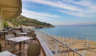 Слънчева пролет на Ултра Ол Инклузив в хотел Tosca Beach - Кавала ,за една нощувка на човек с чадър и шезлонг на плажа / 25.04.2019 - 05.05.2019