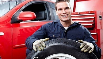 Смяна, баланс и тежести на 4 броя гуми + БОНУС - 1л. течност за чистачки с ваучер само за 16.60 лв. от Автокозметичен център Авто макс