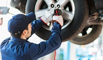 Смяна на 4 броя гуми само за 14.85 лв. от Автокозметичен център Авто макс