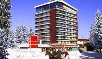 Снежно преживяване в Пампорово, 3 дни след 27.02 за двама със закуски, вечери, басейн и сауна в Гранд хотел Мургавец