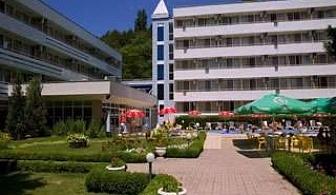 Специална оферта с отстъпка  за Албена, All inclusive, шезлонг, чадър на плажа до 23.07 в Хотел Оазис