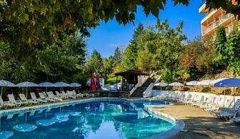 Специална оферта за престой до 30 юни от хотел Вежен Златни Пясъци ***! Нощувка на база All inclusive light + чадър и шезлонг на плажа на цена от 29.50лв. на човек!!!