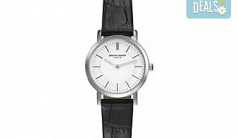 Стил и качество! Черен часовник на Pierre Cardin с красиви мотиви на циферблата + безплатна доставка!