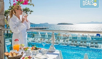 Супер луксозна почивка в хотел Grand Park Bodrum 5*, Бодрум, с България Травъл! 7 нощувки на база Ultra All inclusive и транспорт