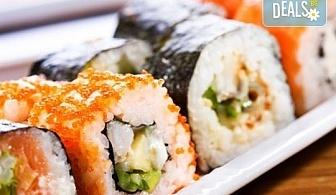 Суши сет Tsunami с 84 бр. екзотични суши хапки с авокадо, терияки, филе от сьомга, риба тон от Sushi King!