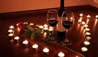 Свети Валентин в Мелник! Нощувка, закуска и Романтична вечеря за ДВАМА в хотел Речен Рай