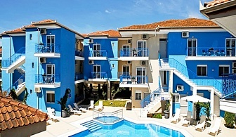 ТОП СЕЗОН в Афитос, Гърция! Нощувка на човек със закуска + басейн в хотел Stratos***