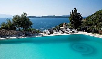 ТОП СЕЗОН на о. Лефкада, Гърция! Нощувка със закуска за двама, трима или четирима + басейн,чадър,шезлонг и частен плаж от бутиков хотел Red Tower, Никиана