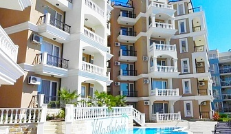 ТОП СЕЗОН в Свети Влас на 50м. от плажа! 2, 3 или 5 нощувки за двама или четирима + басейн във Вила Анторини