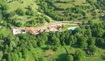 Трети Март в Сливенския балкан. 2 нощувки със закуски и празнична вечеря в Комплекс Дивеците, близо до Жеравна