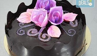 Уникална шоколадова наслада с торта Линд с възможност за доставка от Виенски салон Лагуна! Предплатете сега 1лв!