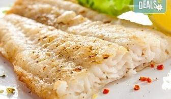 Вечеря за двама! Две порции крехка бяла риба пане + гарнитура пресни пържени картофки и зелева салата в Ресторант BALITO!