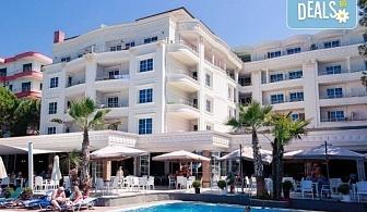 Великден в Албания с Караджъ Турс! 3 нощувки със закуски и вечери в хотел Fafa Premium 4*, транспорт и програма в Дуръс, Скопие и Охрид!