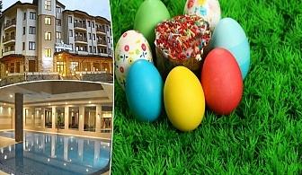 Великден в Боровец! 2 или 3 нощувки на човек със закуски и празничен обяд+ басейн и релакс зона в апартаменти за гости Вила Парк