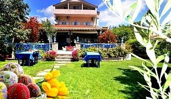 Великден на брега на морето в хотел Ангелос Гардън,  Халкидики, Гърция. 3 нощувки на човек със закуски и 2 вечери + Великденски обяд с жива музика
