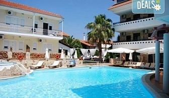 Великден в Гърция! 2 нощувки с 2 закуски, 1 вечеря и 1 Великденски обяд в хотел Philoxenia Spa Hotel, транспорт и обиколка на Солун!