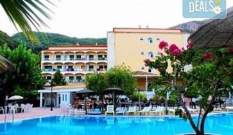 Великден на остров Корфу, Гърция! 3 нощувки със закуски, 2 вечери и 1 празничен Великденски обяд, транспорт, пешеходен тур в Керкира и посещение на двореца Ахилион!