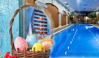Великденски празници в Сандански! 2 или 3 нощувки със закуски, празничен обяд и салатен бар вечер + МИНЕРАЛЕН басейн и СПА от хотел Свети Никола****