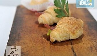 Вкус и аромат от романтична Франция! 100 броя маслени кроасанчета, тарталети и сладки еклерчета от кулинарна работилница Деличи!