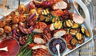 Вкусна BBQ вечеря за цялата компания в Ресторант Мурафети, кв. Лозенец. Плато салати, топли предястия и 2кг. скара на дървени въглища + подарък бири или вино!
