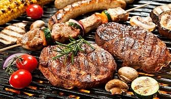 Вкусно BBQ хапване в Ресторант Мурафети, кв.Лозенец. Меню по избор (салати, скара, катрофки и напитки) на супер цени.