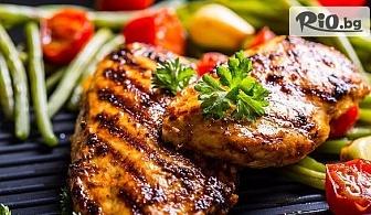 1 кг. вкусно хапване - Свински вратни пържолки /4 бр./ + картофки ноазети /250 г/ и чеснов сос /60 г/, от Механа Боляри