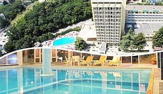 Юни в хотел Шипка 4*, к.к. Златни Пясъци. Нощувка със закуска и вечеря + басейн и СПА