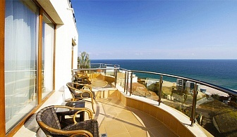 Юни и Юли на море! Нощувка със закуска и вечеря* + басейн в Хотел Аква Вю 4*, Златни пясъци, к.к Чайка!