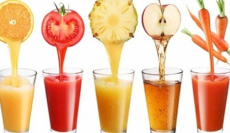 Здавословно и свежо! 1 литър фреш (ябълка, лимон и джиндифил) от Фреш бар Ви, центъра на София